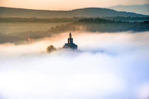 Fortaleza de tsarevets al amanecer.