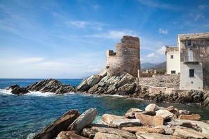Genuese uitkijktoren in Corsica