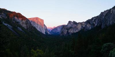 Yosemite nation park photo
