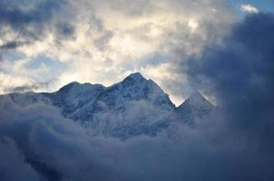 Himalaya mountains photo