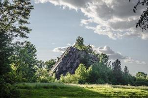 cantera de granito montaña foto