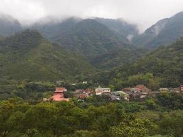 pueblo en montaña