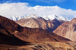 Karakoram mountain range, India photo