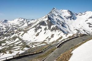 alta carretera alpina foto