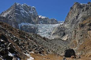 montañas del himalaya foto