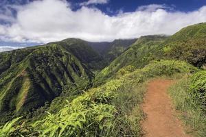 sendero waihee ridge, montañas del oeste de maui, hawai