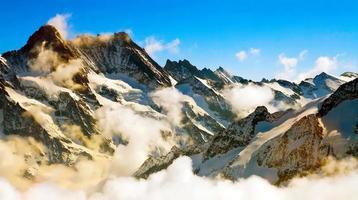 niebla en jungfrau, suiza foto