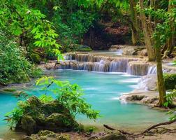 cachoeira erawan, kanchanaburi, tailândia