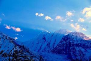 amanecer en las montañas foto