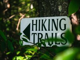segnaletica per sentieri escursionistici foto