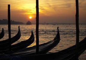 gondolas bows photo