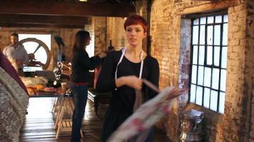 trabajadores creativos en pequeñas empresas