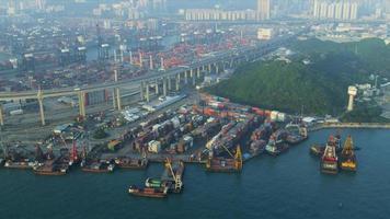 vista aerea scalpellatori ponte stradale, hong kong video