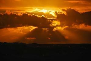 puesta de sol en el océano foto