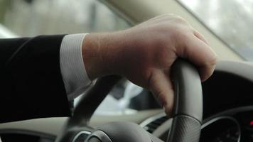 dirigir um carro video