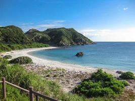 playa en la isla de tokashiki