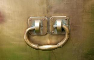 shape of brass pot handle