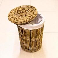 Empty cloth bin