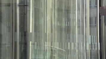 puerta giratoria video