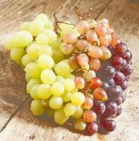 Green, pink and purple grapes