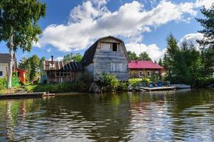 antigua casa de madera rusa