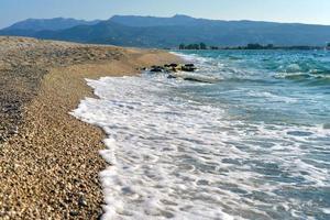 playa de arena en grecia foto