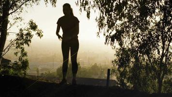 mujer madura, estiramiento, antes, ejercicio