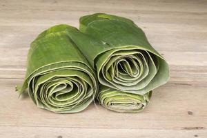 hojas de plátano verde fresco