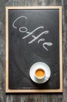 pizarra con café y espresso foto
