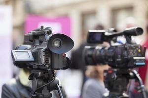 Filmen eines Ereignisses mit einer Videokamera