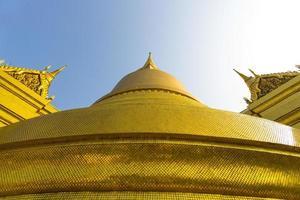 estupa dorada en el gran palacio, tailandia