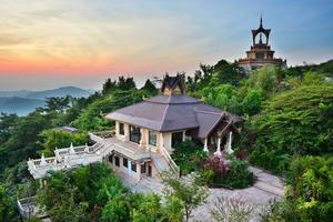 Wat Phra Dhat Phasornkaew
