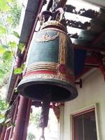 campana del templo foto