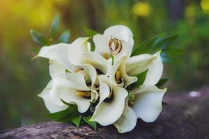 Wedding bouquet with rings photo