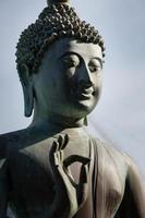 Primer plano de la estatua de Buda foto