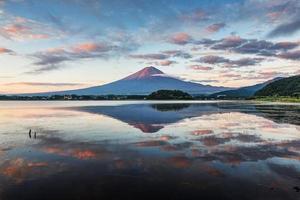 monte Fuji por la mañana foto