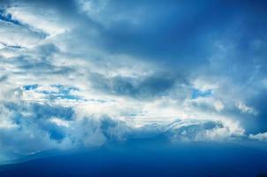 nubes dramáticas foto