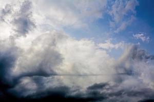 nubes de lluvia foto