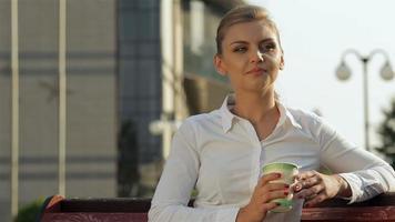 pause café sur le banc