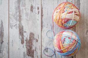 coloridas bolas de hilo foto