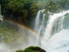 arcoiris de las cataratas del iguazú foto