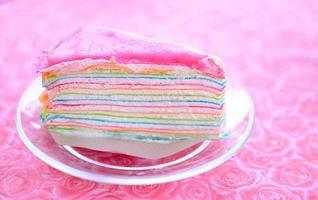 pastel de crepe arcoiris