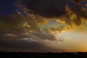 nubes de tormenta de texas naranja