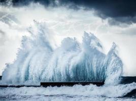 Giant waves photo