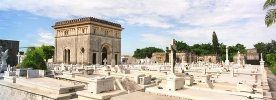 Cemeterio in Cuba photo