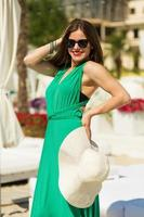 hermosa mujer en la playa foto