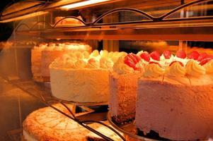 bolos gigantes em padaria alemã