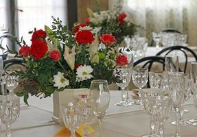 elegante juego de mesa para la celebración de la boda foto