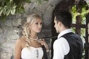 boda, feliz joven y mujer celebrando
