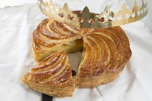 epifanía galette des rois, pastel rey foto